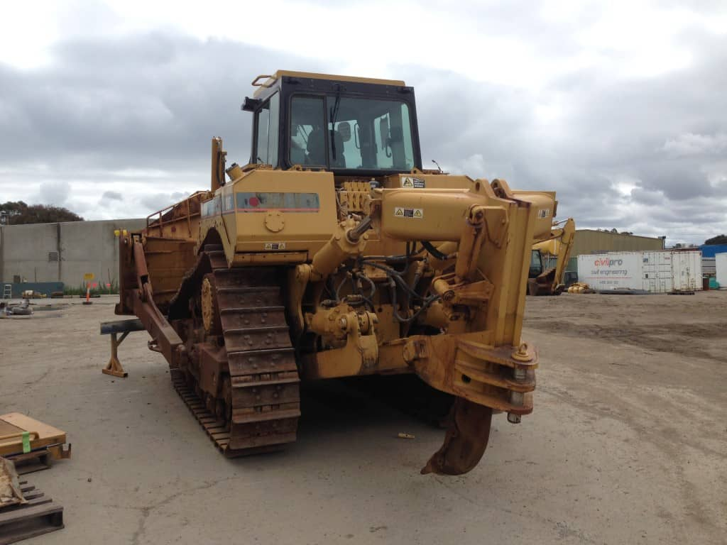 CAT D8T | Heavy Equipment Refinishing